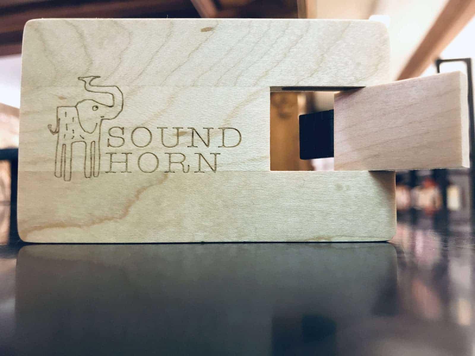 Holz - USB - Stick mit deinen Liedern